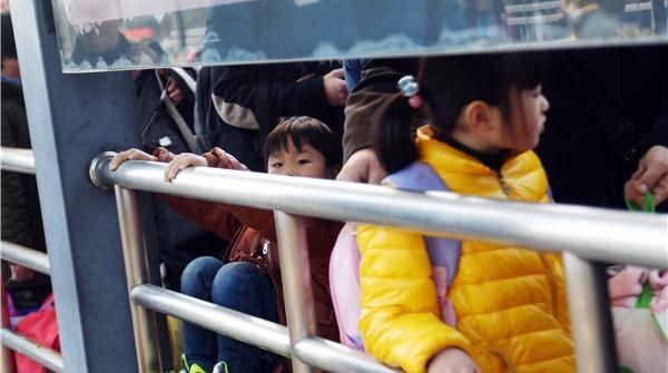 """下周一起,沪开通30条返程""""春运专线"""""""