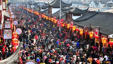 26万!上海豫园昨天客流创新纪录:警方精准预警精确疏导 确保游客平安
