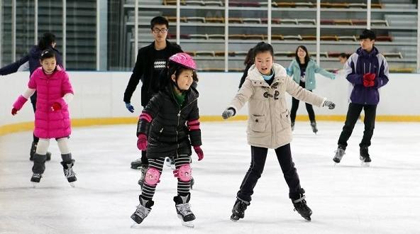 """""""北冰南展""""初见成效:更多上海人爱上冰雪运动"""