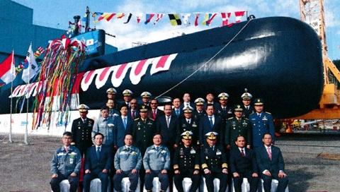 """""""千岛之国""""青睐潜艇部队"""