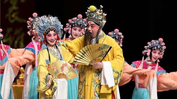 """三个""""唐明皇""""五个""""杨贵妃""""同台!明星版《长生殿》昨上演"""