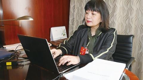 全国政协委员王丽萍:讲好外国人听得懂的中国故事