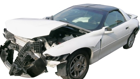 小区天降金属栏杆 丰田轿车被砸坏