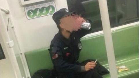 男子在地铁车厢内抽烟、乱扔烟蒂还不听劝阻!被处行政拘留5天