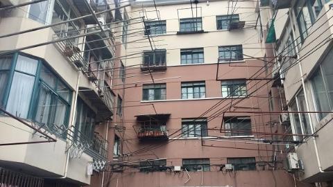"""社区新发现 长征镇:多部门协同整治,改善""""鸳鸯楼""""公共环境"""