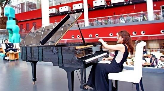 画作流动起来,音乐有了色彩 魏芸钢琴独奏会在余德耀美术馆上演