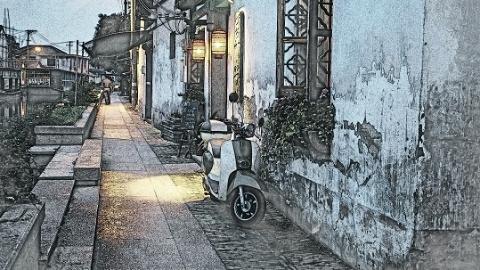 """百年清水砖砌仍安好 始终爱美的上海人家中西合并""""乓乓响"""""""