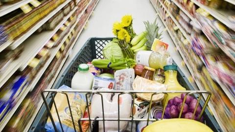超市员工监守自盗被处罚 竟赌气要偷回本