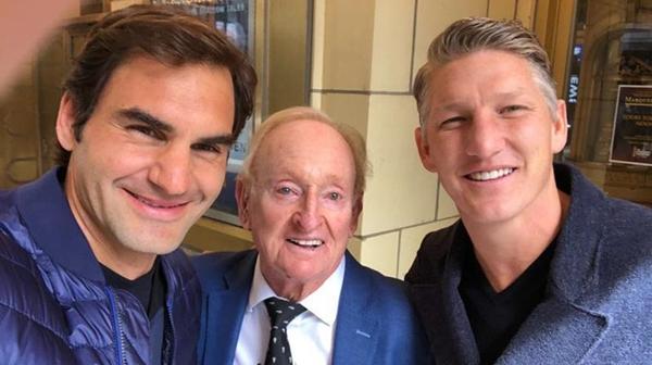 """儿子打网球和我一个样!费德勒向施魏因施泰格传授""""奶爸经"""""""
