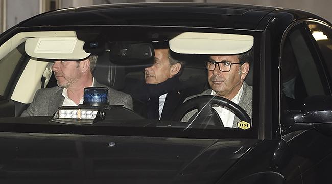 因腐败等行为 法国前总统萨科齐被起诉