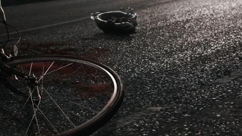 自行车骑车人倒地身亡 警方:当事人系意外死亡