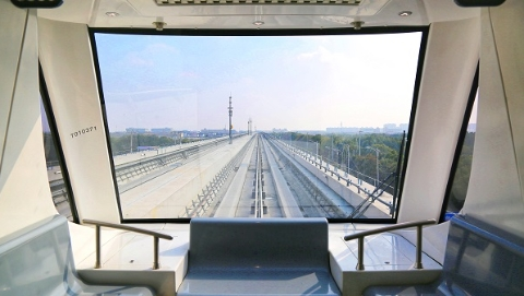 记者上午探访沪首条无人驾驶APM线路浦江线——车门宽了半米多 车站不设车控室