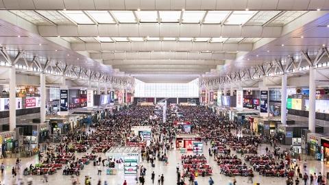"""""""春游季""""长三角铁路预计发送旅客5500万"""