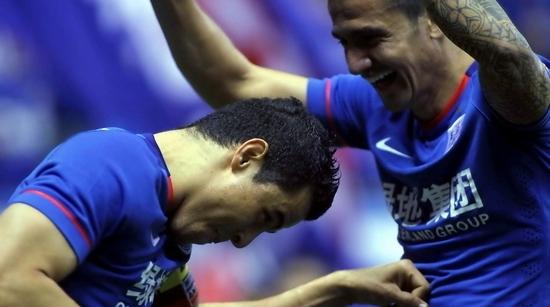 莫雷诺卡希尔昨天上演老友记,申花与世界杯同作息
