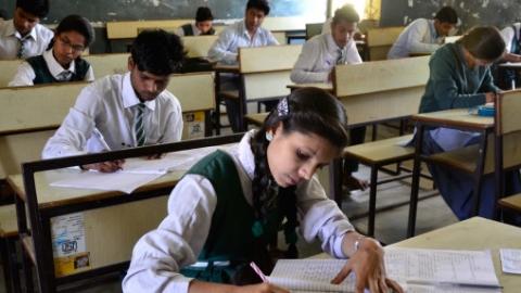 印度中考高考试卷泄露致280万学生重考