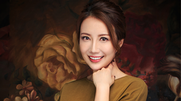 """嗲妹妹赵若虹变身""""高跟鞋女王"""" 新书呈现美丽又英勇的女人"""