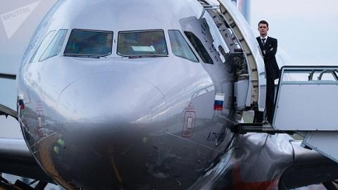 英国边检人员突击搜查俄罗斯航班