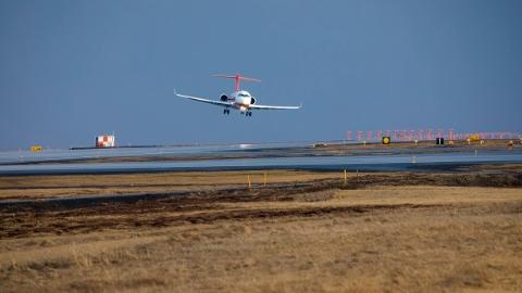 冰岛凯旋!我国104架ARJ21喷气客机大侧风试飞成功今归来