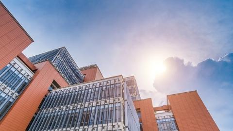 华东理工与罗马尼亚高校签约共建商学院