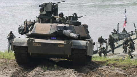 美装甲兵咋看俄军超级坦克?