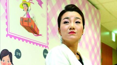 """用水瓶砸下属 大韩航空""""霸道二小姐""""被警方调查"""