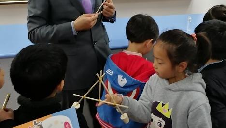 """上海民办中小学校园开放日陆续举行 家长感叹:无需""""鸡血味"""""""