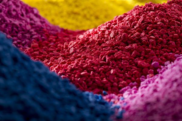 各种颜色的聚合物化合物.jpg