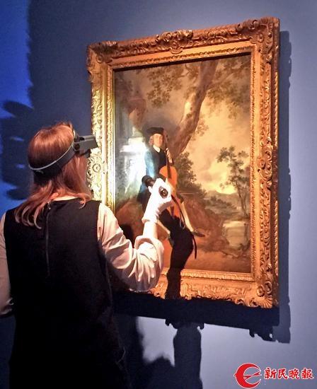 英国工作人员在上博布置《泰特不列颠美术馆珍藏展》-郭新洋.jpg