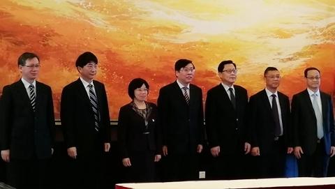 中共黄浦区委法律顾问聘任仪式上午举行