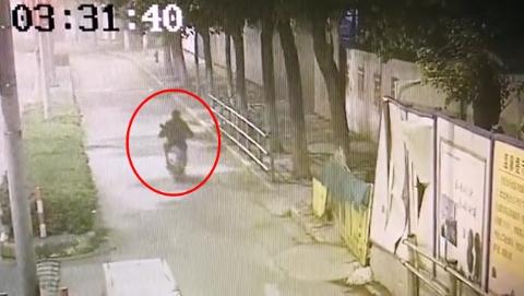 一辆电瓶车从被盗到销赃只要四分钟!警方捣毁一专偷地铁站附近电瓶车团伙