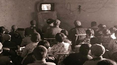 """电视机里的""""小人儿"""""""