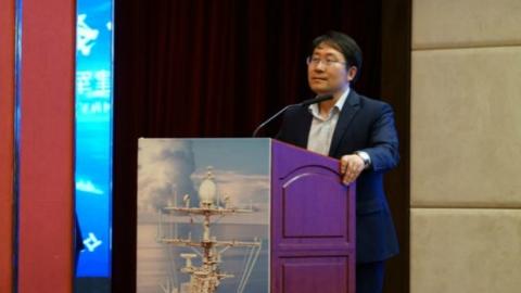 航母文化俱乐部昨正式揭牌成立:上海拟建航母文化主题公园