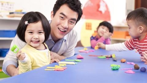 """沪出台托育工作方案 0-3岁幼儿家庭将获""""最柔软""""公共服务"""
