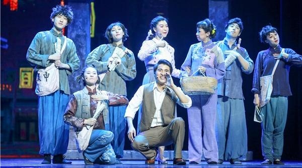 """两场演出+一次""""快闪"""",音乐剧《国之当歌》""""点燃""""临沂观众"""