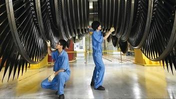 打响四大品牌 | 从能源装备到高端定制旗袍 上海开启未来制造新时代