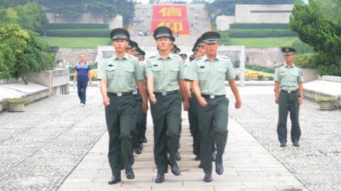 """""""英烈子女班""""学员热议《中华人民共和国英雄烈士保护法》"""
