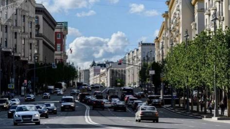 俄罗斯喊话球迷:来看世界杯,别忘了租辆中国的共享汽车