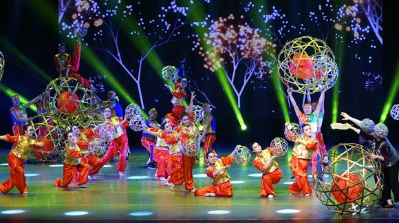 民族瑰宝 舞之传承 中国非物质文化遗产传统舞蹈展演昨上演