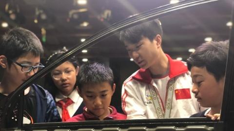 职业是什么?边玩边体验!上海市学生职业体验日活动拉开帷幕