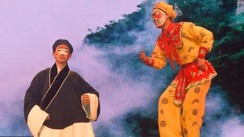 上戏京剧、木偶来到甘肃小城 国粹魅力历久弥新