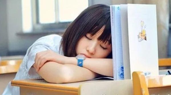 """有一种睡眠叫""""秒睡"""":贪睡是懒还是病?"""
