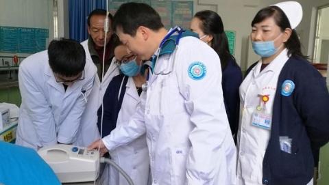 """上海援藏医生""""上岗"""" 工作首日成功救治高原溺水患者"""