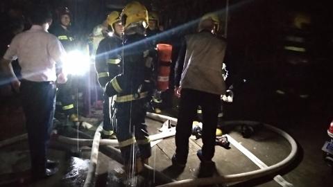 常熟路一民居家深夜发生火灾 无人员伤亡
