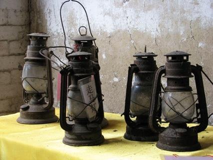 马灯、汽灯和火把