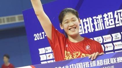 18岁女排新锐李盈莹将迎国家队首秀,郎平亲自为她选号码!