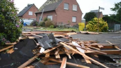 昨夜龙卷风突袭德国部分地区