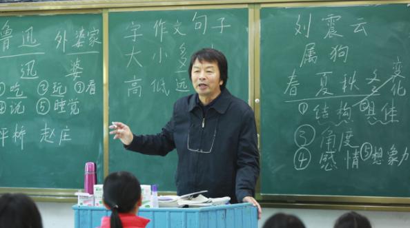 在《同一堂课》里,濮存昕、徐帆、刘震云用语文课点亮孩子的心