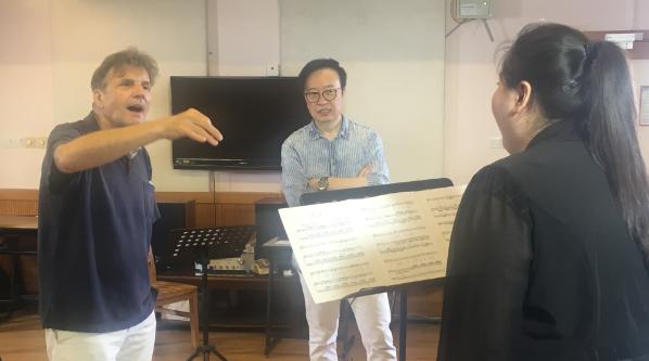 格莱美奖歌唱家走进上音 为上海乐迷上了一堂专业声乐课