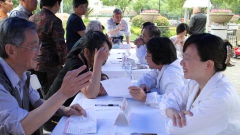 把健康福利带给社区居民 江川社区启动医联体党建活动