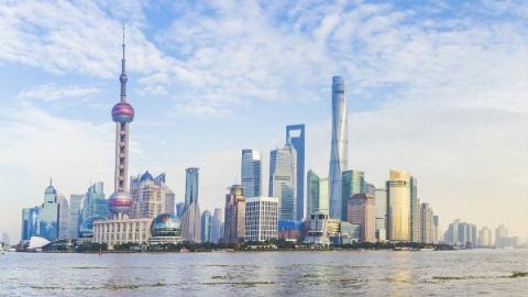"""【新时代 新作为 新篇章】转变""""一把尺子量到底"""" 上海职称改革惠及270多万名人才"""